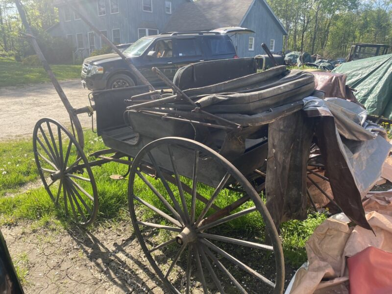 Barn find Babcock horse drawn buggy carriage