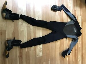 Excel wet suit with booties and gloves
