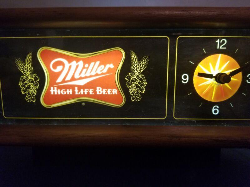 VTG 1980s Miller beer light up starburst motion moving clock light up bar sign
