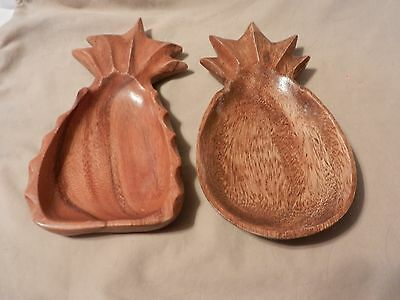 Pair of Wooden Carved Pineapple Serving Trays, Light Brown, Varnished (M)
