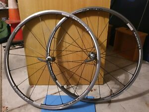 Shimano Ultegra WH-6700 700C Tube / Tubeless Ready Clincher Wheelset