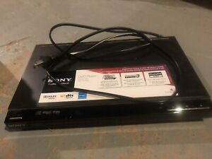 Sony DVP-SR500H 1080p DVD Player with power cord