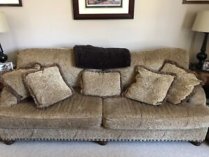 """Extra long couch 92"""" — excellent condition"""