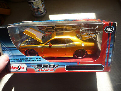 2008 DODGE CHALLENGER SRT8 ORANGE 1:24 DIECAST MODEL CAR BY MAISTO