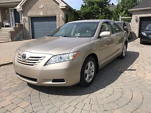 2007 Toyota Camry LE 4 cylinder fully loaded low KM