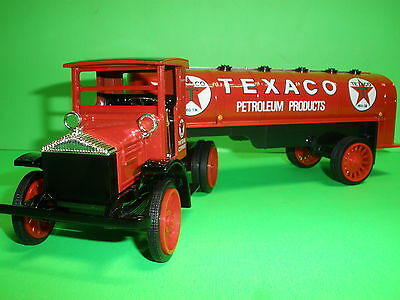 1999 TEXACO OIL 1920 PIERCE ARROW TANKER TRUCK REGULAR #16 IN SERIES NEW MINT