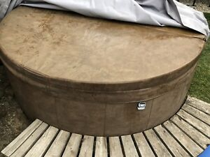 Softub 300 Hot tub 6 person (soft tub) w/wooden base and cover
