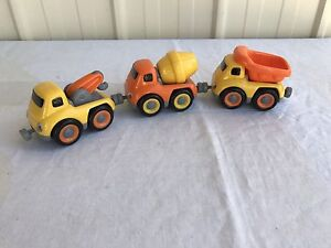 Toy Park Magnetic Tow Truck, Cement Mixer & Tipper Drouin Baw Baw Area Preview