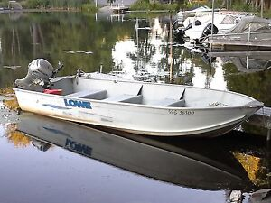 16 ft Lowe fishing boat for sale