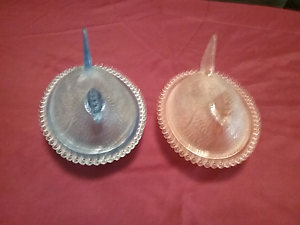 Glass laying Hen set of 2 Buderim Maroochydore Area Preview