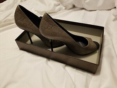 Gucci Heels Gray sz 8 with box great conditions