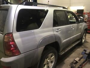 Toyota 4runner 2003 v8 4x4 low mileage!