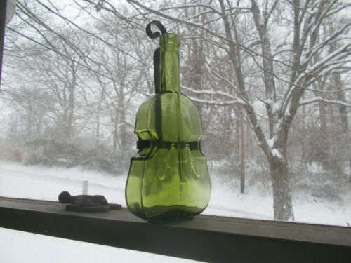 PRETTY EMERALD GREEN HAND BLOWN VIOLIN FIGURAL BOTTLE WITH WALL HANGER MOUNT