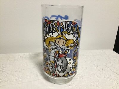 THE GREAT MUPPET CAPER MISS PIGGY GLASS 1981 MCDONALDS CUP 12OZ
