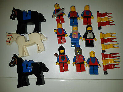 Vintage 1979 Lego Classic Castle 9 Knights 3 horses and some accessoires used
