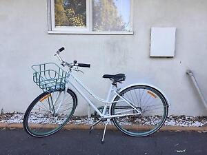 Women's Giant 'Via' bicycle - ridden twice! Glen Iris Boroondara Area Preview