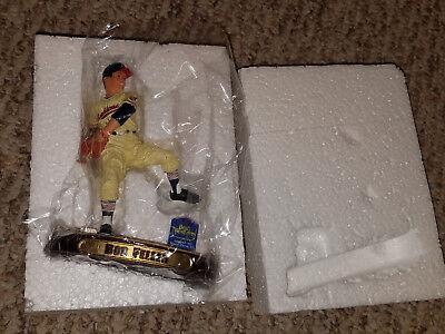Rare 2005 Best Western Cleveland Indians Bob Feller Baseball Figurine Staute