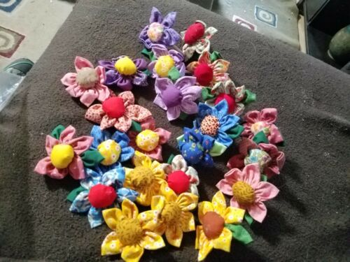 VINTAGE HANDMADE 23 Calico Cloth Formed Flowers Various Colors