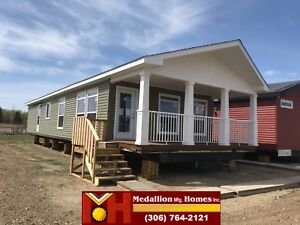 *NOW IN STOCK* Lake House Model 20078