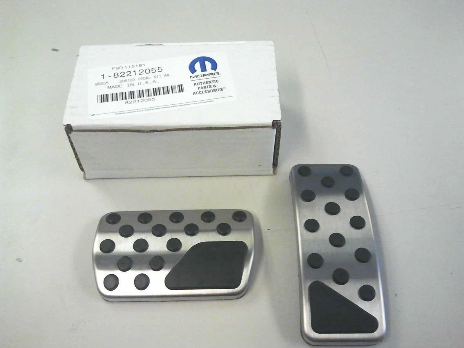 Genuine Jeep Accessories 82212055 Pedal Kit