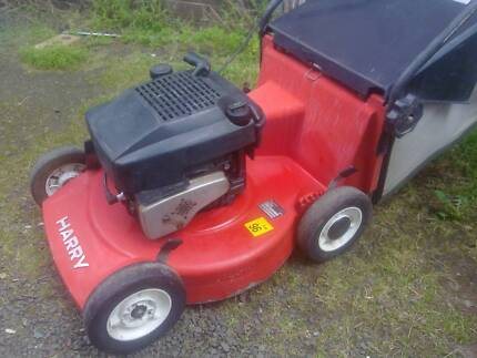 Harry heavy duty lawn mower+catcher just serviced, with warranty Sunshine North Brimbank Area Preview