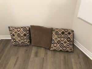 Brand new Couch Pillows