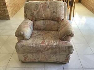 Free 3 piece Lounge suite