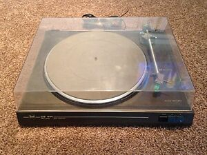 Dual CS 514 Belt Drive Turntable Record Player