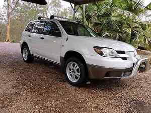 Mitsubishi Outlander 4 by 4 SUV 2003 model Springfield Lakes Ipswich City Preview
