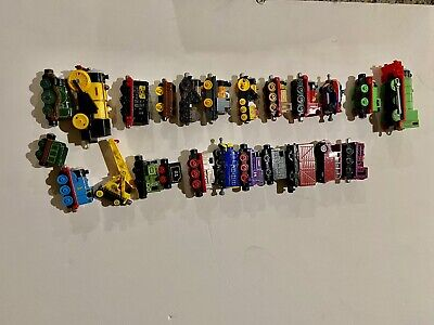 Lot 24 Thomas The Train Engine Die-cast Magnetic & Plastic Engine & Train Cars