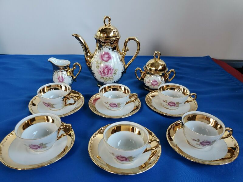 24 Karat Gold Tea Set Porcelain Bavaria ,server  6 peoples