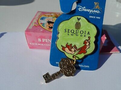 Chip & Dale Sequoia Lodge Dangler Key Style Disneyland Paris Disney Trading Pin!
