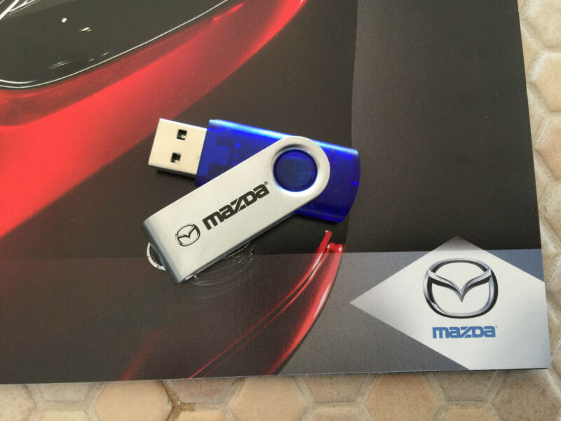 MAZDA OFFICIAL FULL LINE BROCHURE & LOS ANGELES PRESS 4Gb FLASH DRIVE 2013-2014.