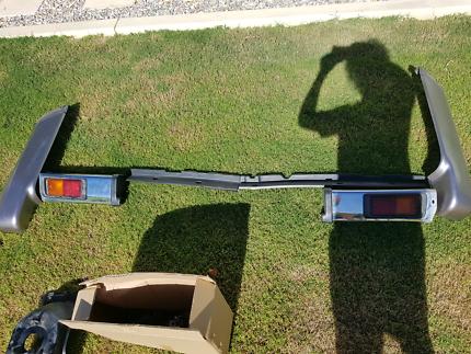 76 series gxl rear bumper + wheel carrier