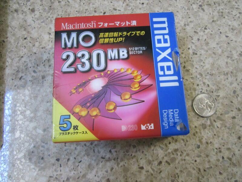 Macintosh MO 230 MB maxell data media 5 pack