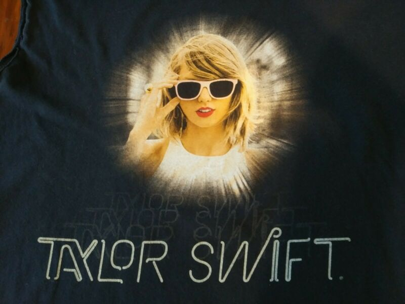 Taylor Swift 1989 Tour Shirt Cut Off Size XL