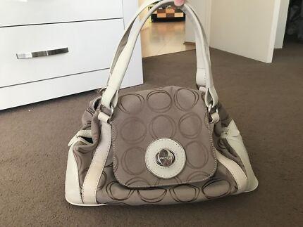 Oroton Handbag In Great Condition