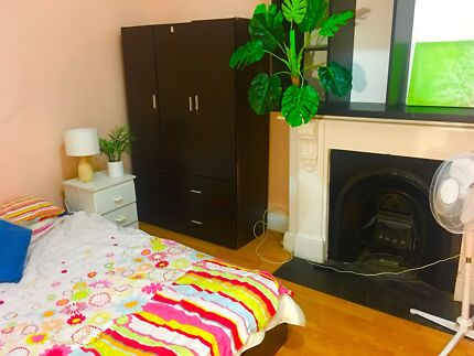 Double room 5 mins from everything Bondi Junction