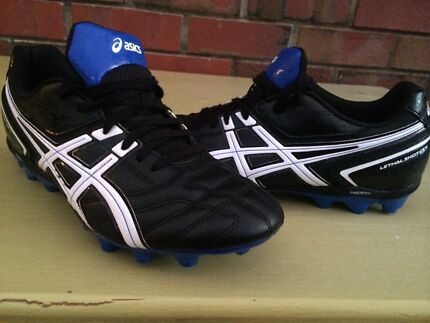 Asics football/soccer boots Tea Tree Gully Tea Tree Gully Area Preview
