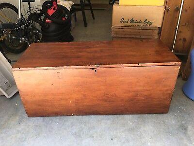 antique pine blanket chest ()