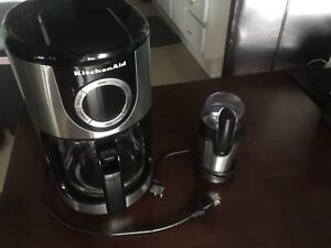 Kitchen Aid 12 Cup Coffee Maker with Coffee Grinder
