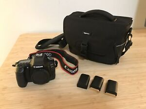 Canon 80D (body only) - 3 batteries - camera bag