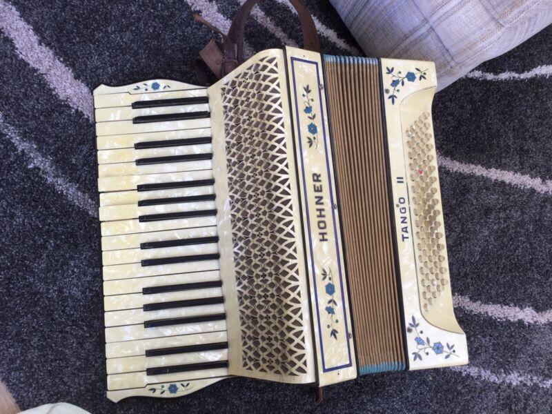 HOHNER TANGO II (2) PIANO ACCORDIAN WITH ORIGINAL CARRY CASE