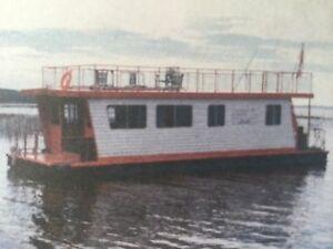 Houseboat Adventure