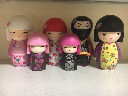 6 Kimmi dolls