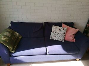 Comfy blue fold out couch