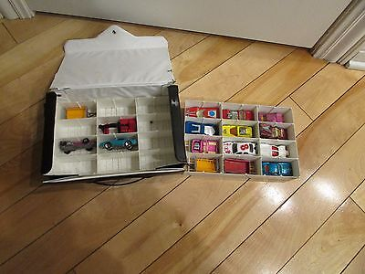Lot 16 Hot Wheels Matchbox Road Master Vintage Cars and Collector Case 1970's +