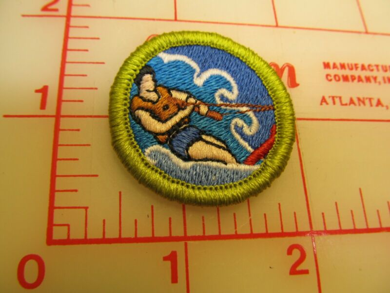 Scout stuff backed WATER SKIING merit badge emblem patch (yZ)
