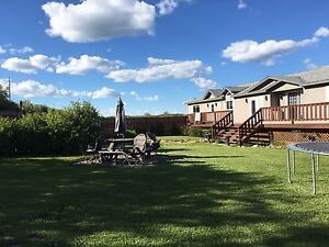 Beautiful house and acreage for sale
