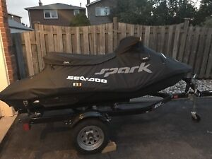 Seadoo spark 3up Only 10 hours!!